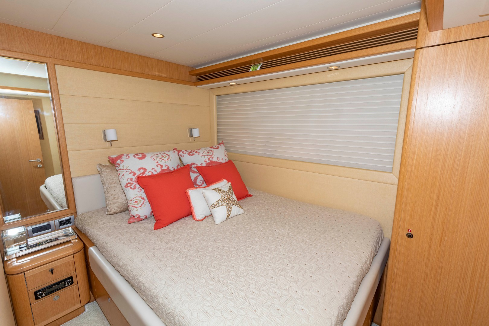 Ferretti Yachts-830HT 2010-MI RX Fort Lauderdale-Florida-United States-Guest Stateroom-1644648 | Thumbnail