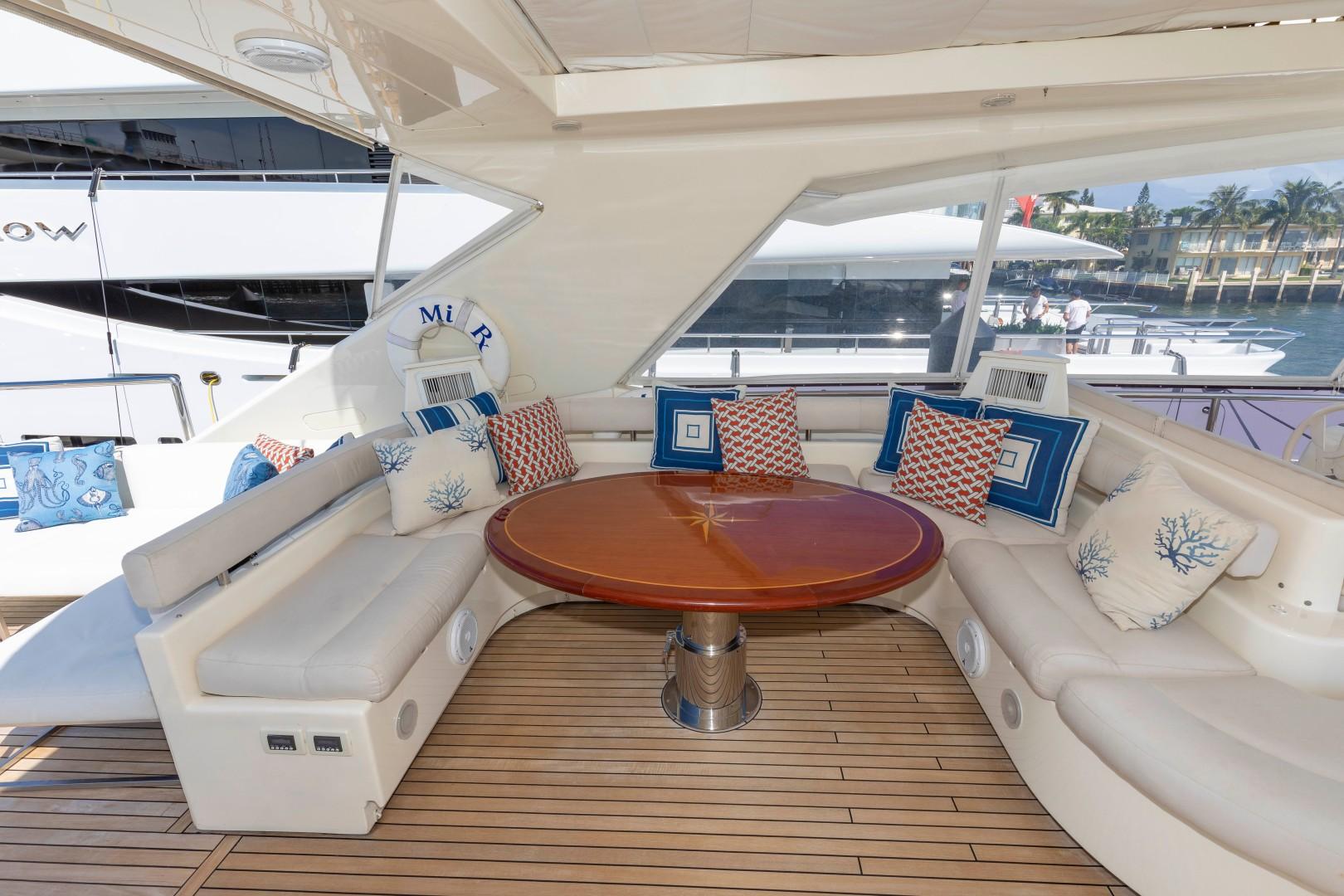 Ferretti 83 - MI RX - Bridge Seating & Dinette