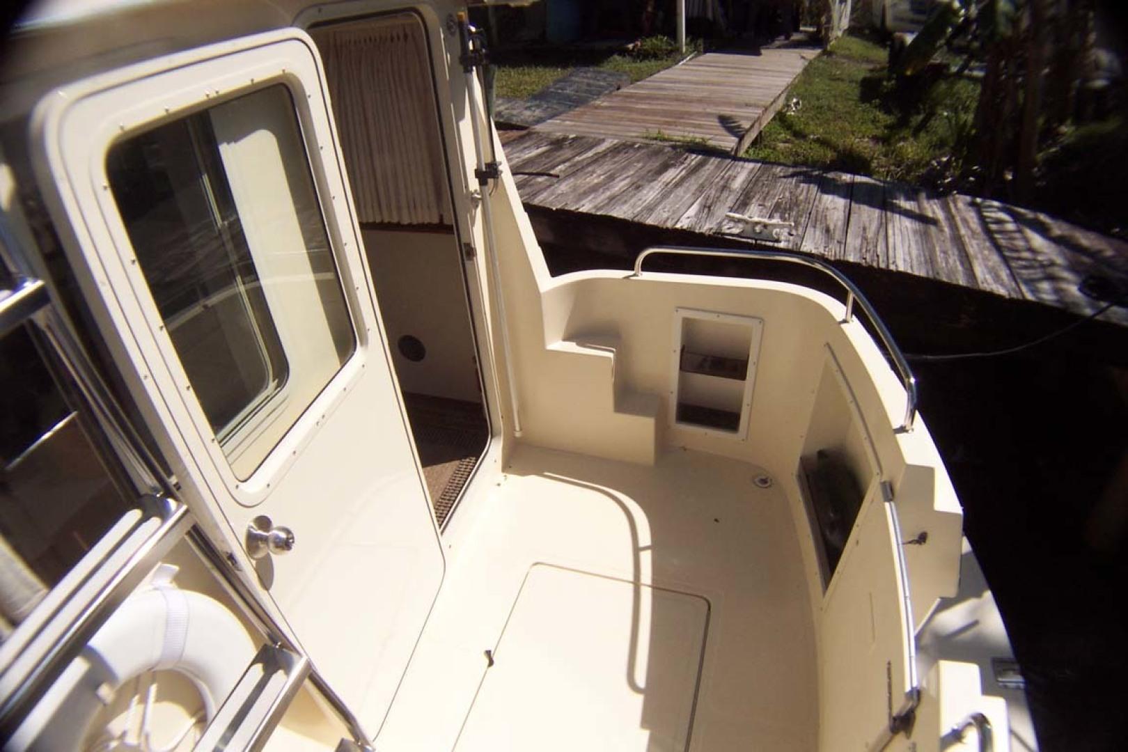 Camano-Troll 2007-NEXT ADVENTURE Stuart-Florida-United States Cockpit To Starboard-1622011   Thumbnail
