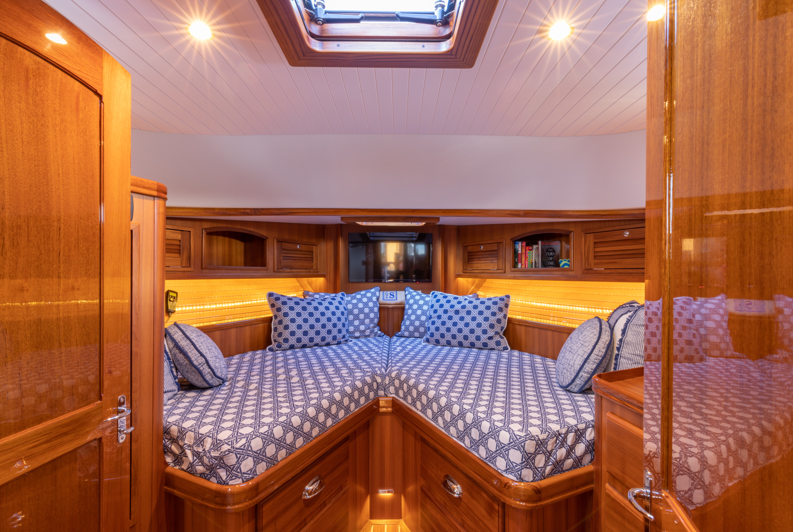 Bruckmann-Abaco 47 2020-EAST BY SOUTH West Palm Beach-Florida-United States-Master Stateroom-1623820 | Thumbnail