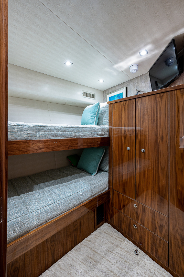 Viking 72 - Three's Enough - Guest Stateroom