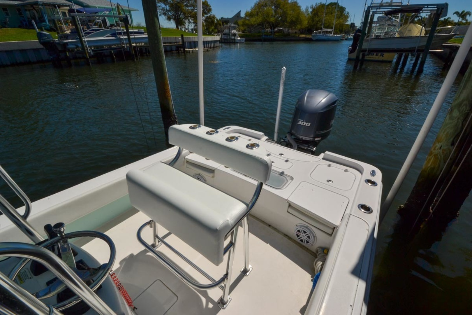 Contender-25 Bay 2015 -St Petersburg-Florida-United States-Helm Seat-1627430   Thumbnail