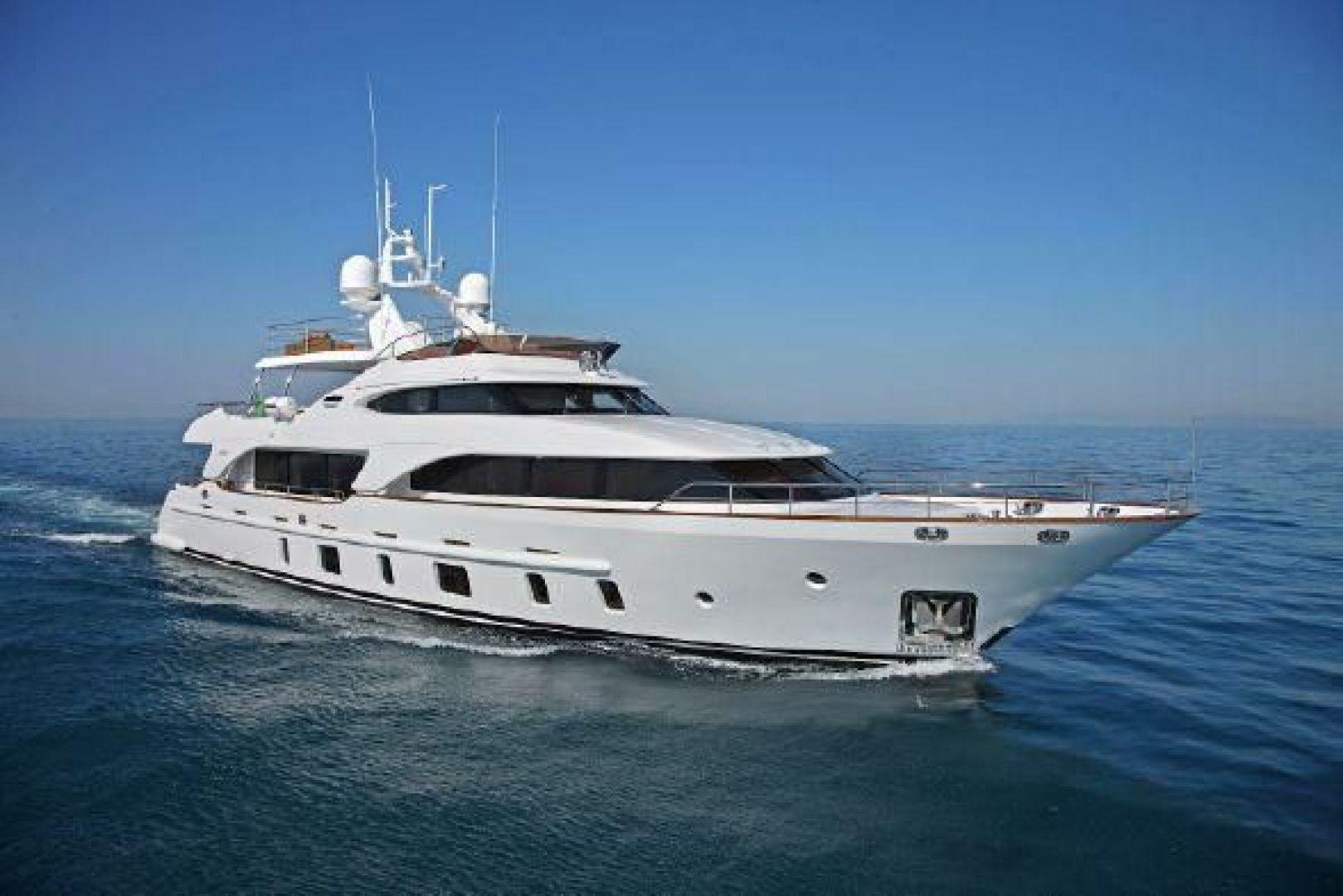 Benetti-105 2012 -Italy-1627461   Thumbnail