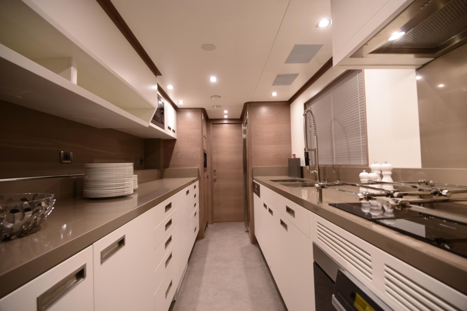 Benetti-105 2012 -Italy-1627466   Thumbnail