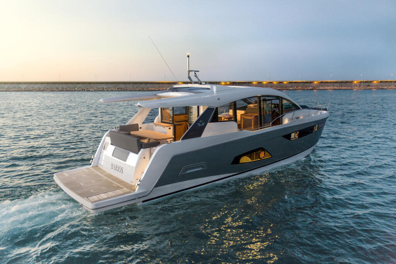 Picture Of a 2022 Sealine 52 C530 Motor Yachts   1628303