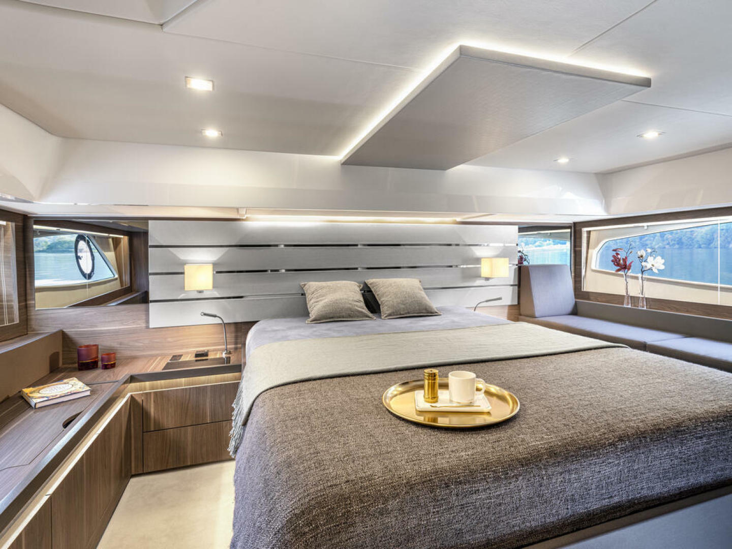 Picture Of a 2022 Sealine 52 C530 Motor Yachts   1628265