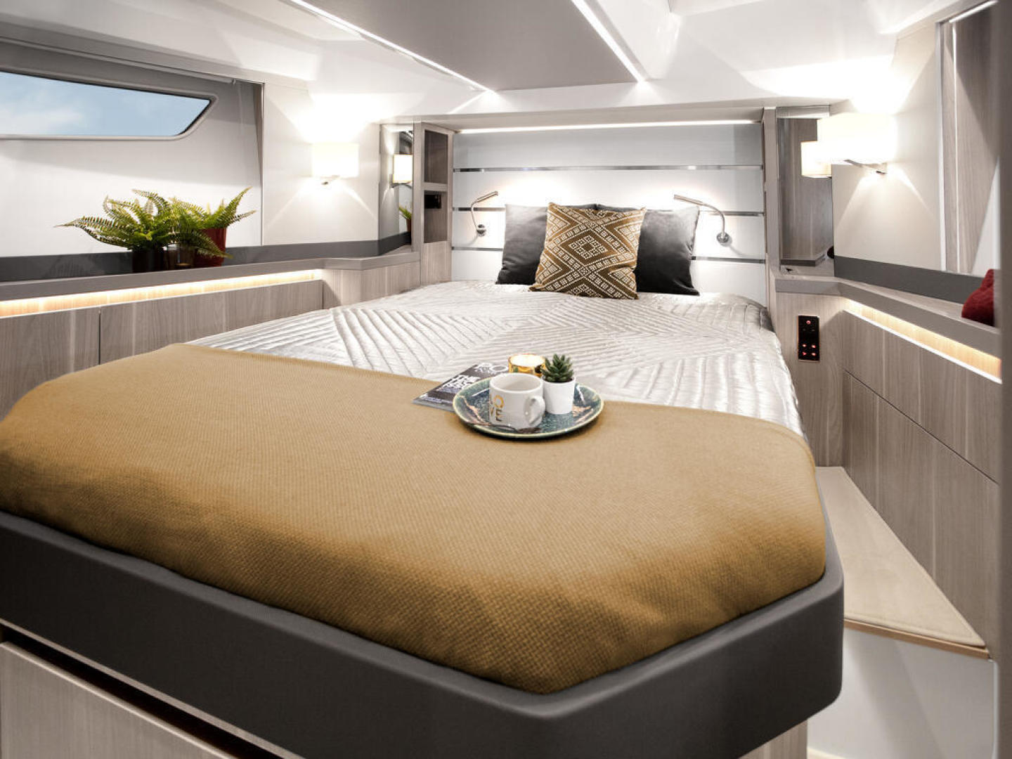 Picture Of a 2022 Sealine 52 C530 Motor Yachts   1628277