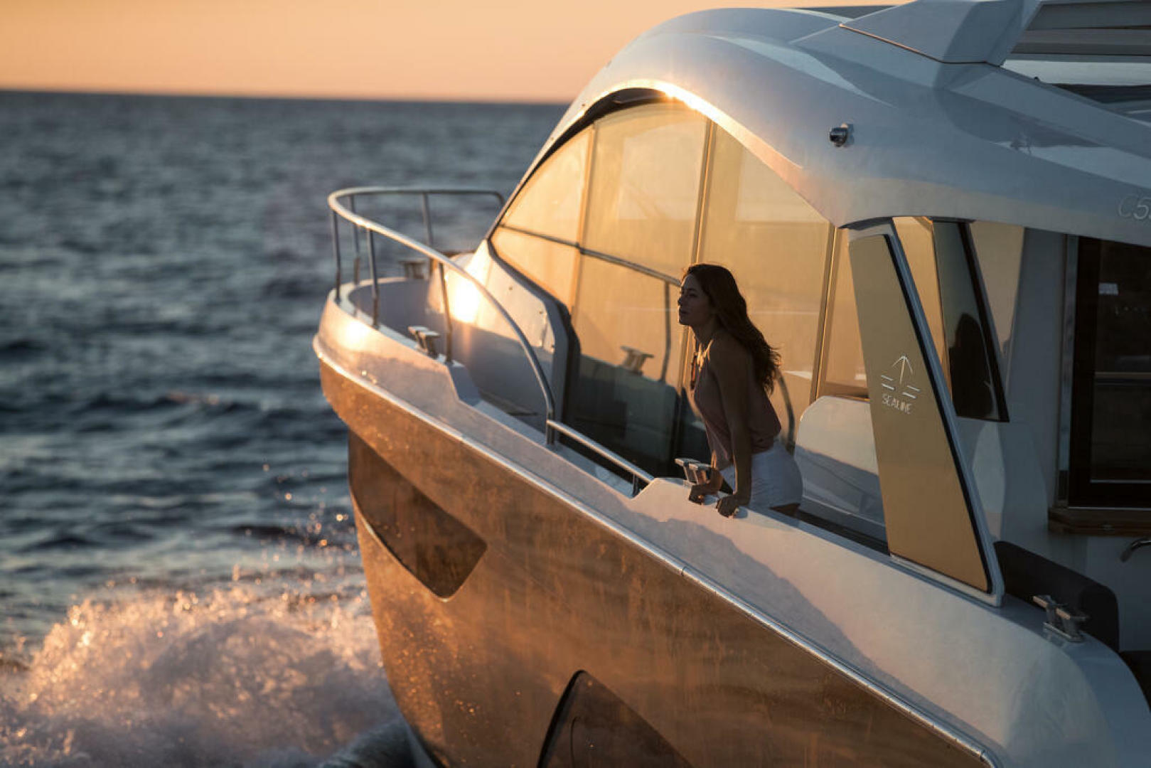 Picture Of a 2022 Sealine 52 C530 Motor Yachts   1628304