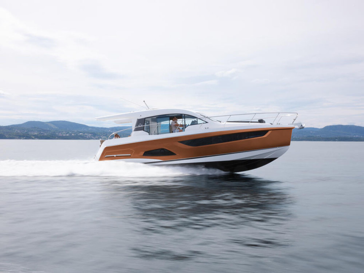 Picture Of a 2022 Sealine 39 C390 Motor Yachts | 1628469