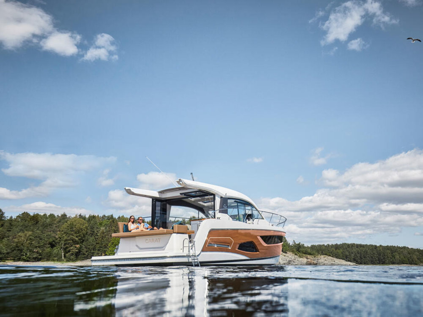 Picture Of a 2022 Sealine 39 C390 Motor Yachts | 1628473