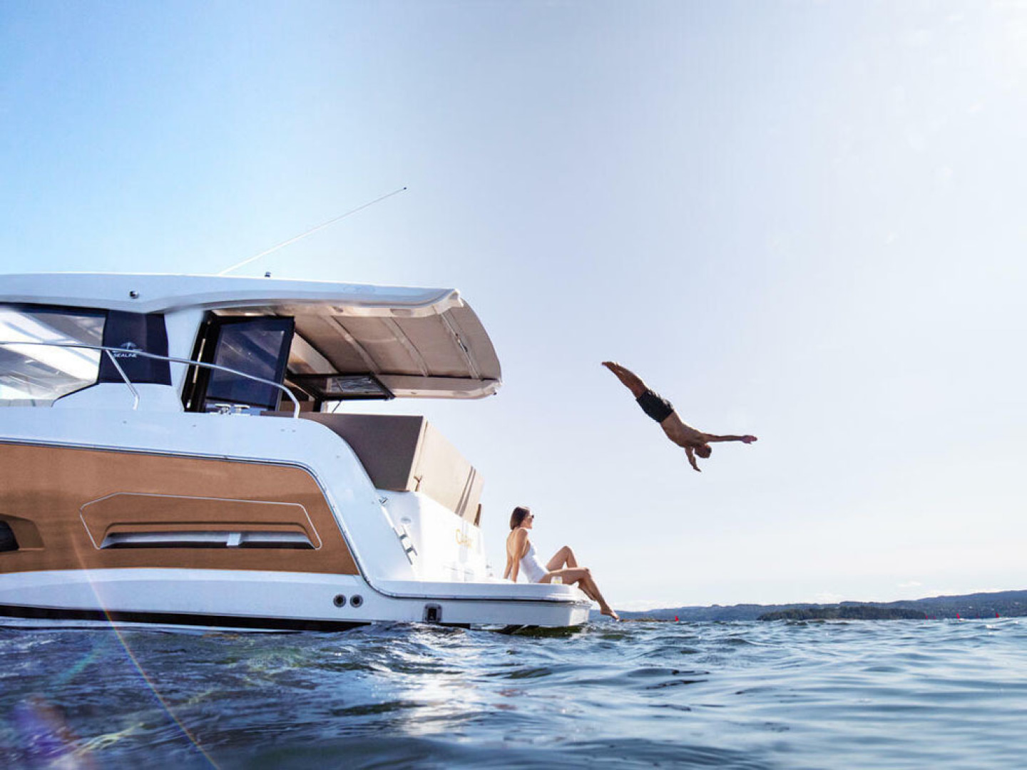 Picture Of a 2022 Sealine 39 C390 Motor Yachts | 1628479
