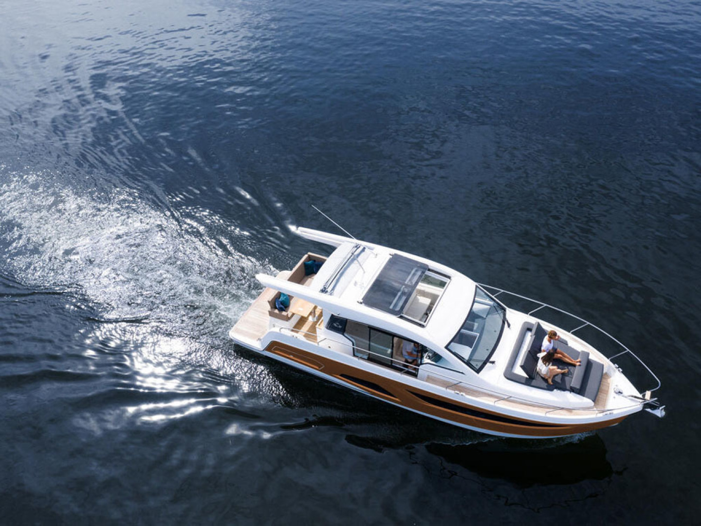 Picture Of a 2022 Sealine 39 C390 Motor Yachts | 1628471