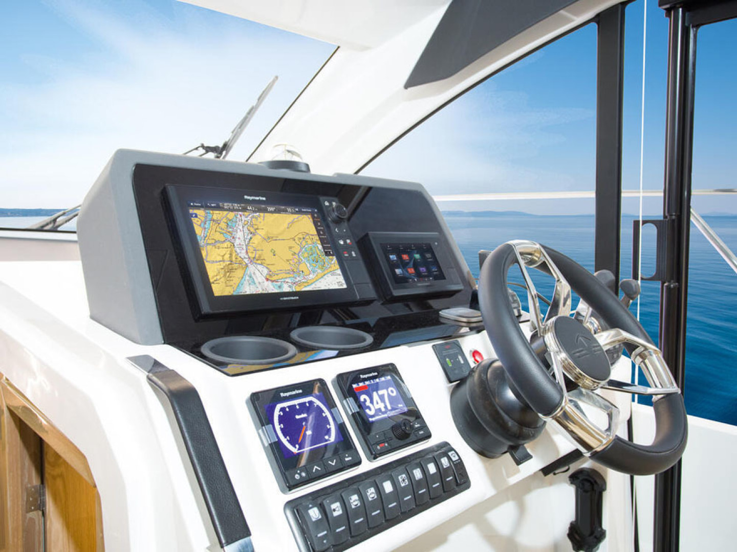 Picture Of a 2022 Sealine 39 C390 Motor Yachts | 1628488