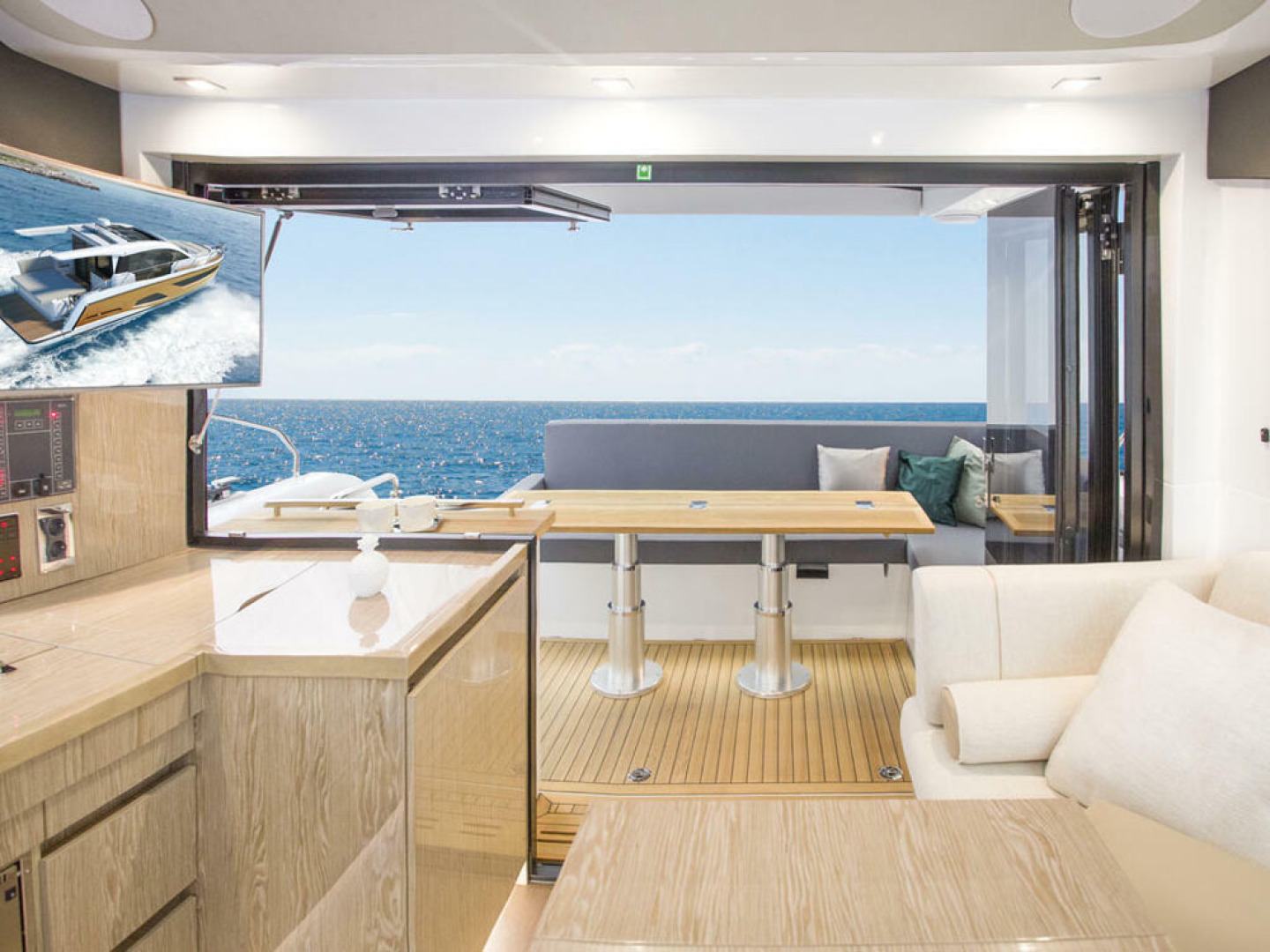Picture Of a 2022 Sealine 39 C390 Motor Yachts | 1628493