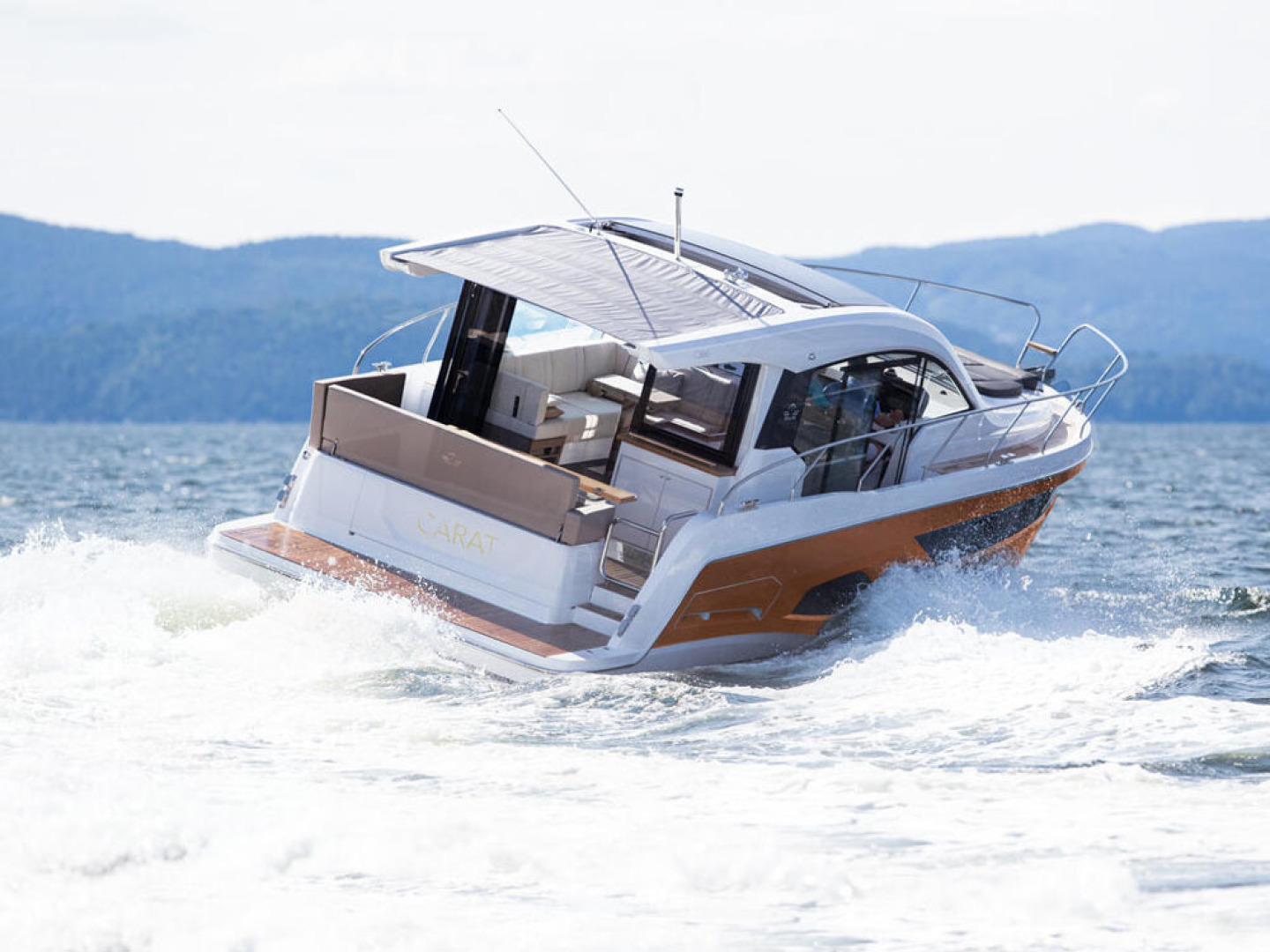 Picture Of a 2022 Sealine 39 C390 Motor Yachts | 1628481