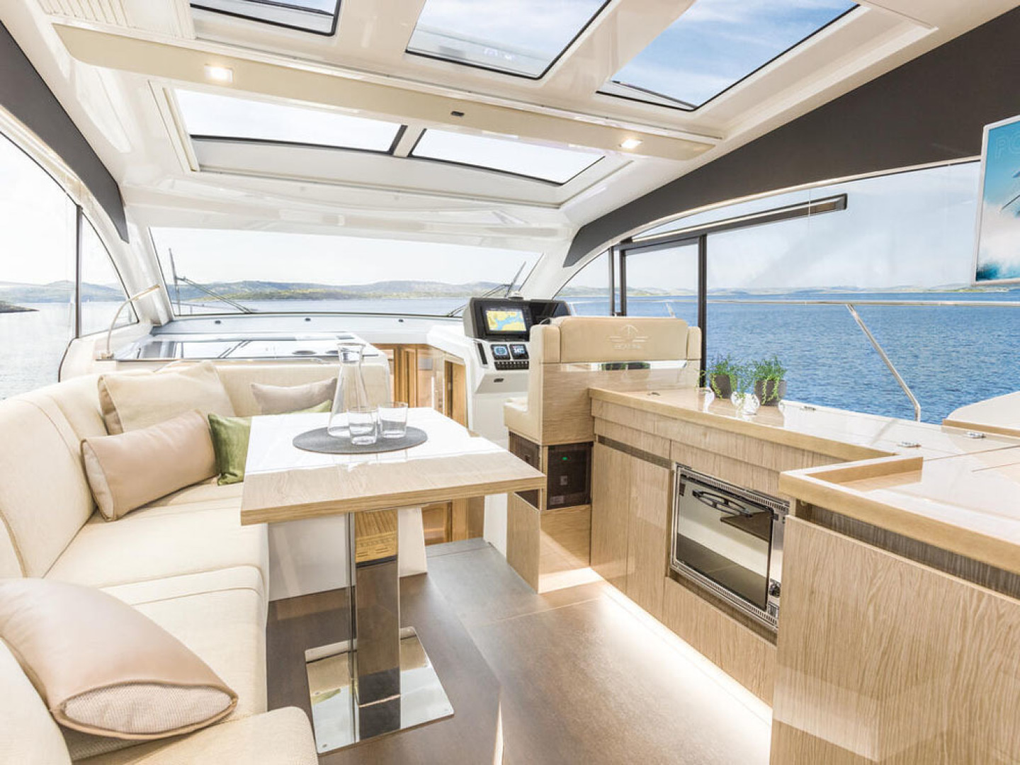 Picture Of a 2022 Sealine 39 C390 Motor Yachts | 1628487
