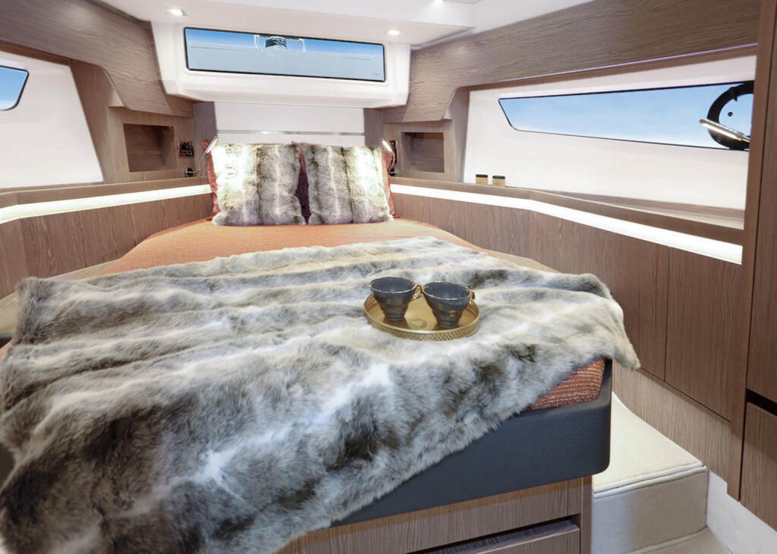 Picture Of a 2022 Sealine 45 F430 Motor Yachts | 1628539