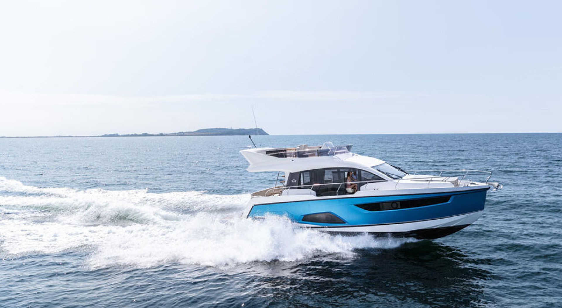 Picture Of a 2022 Sealine 45 F430 Motor Yachts | 1628566
