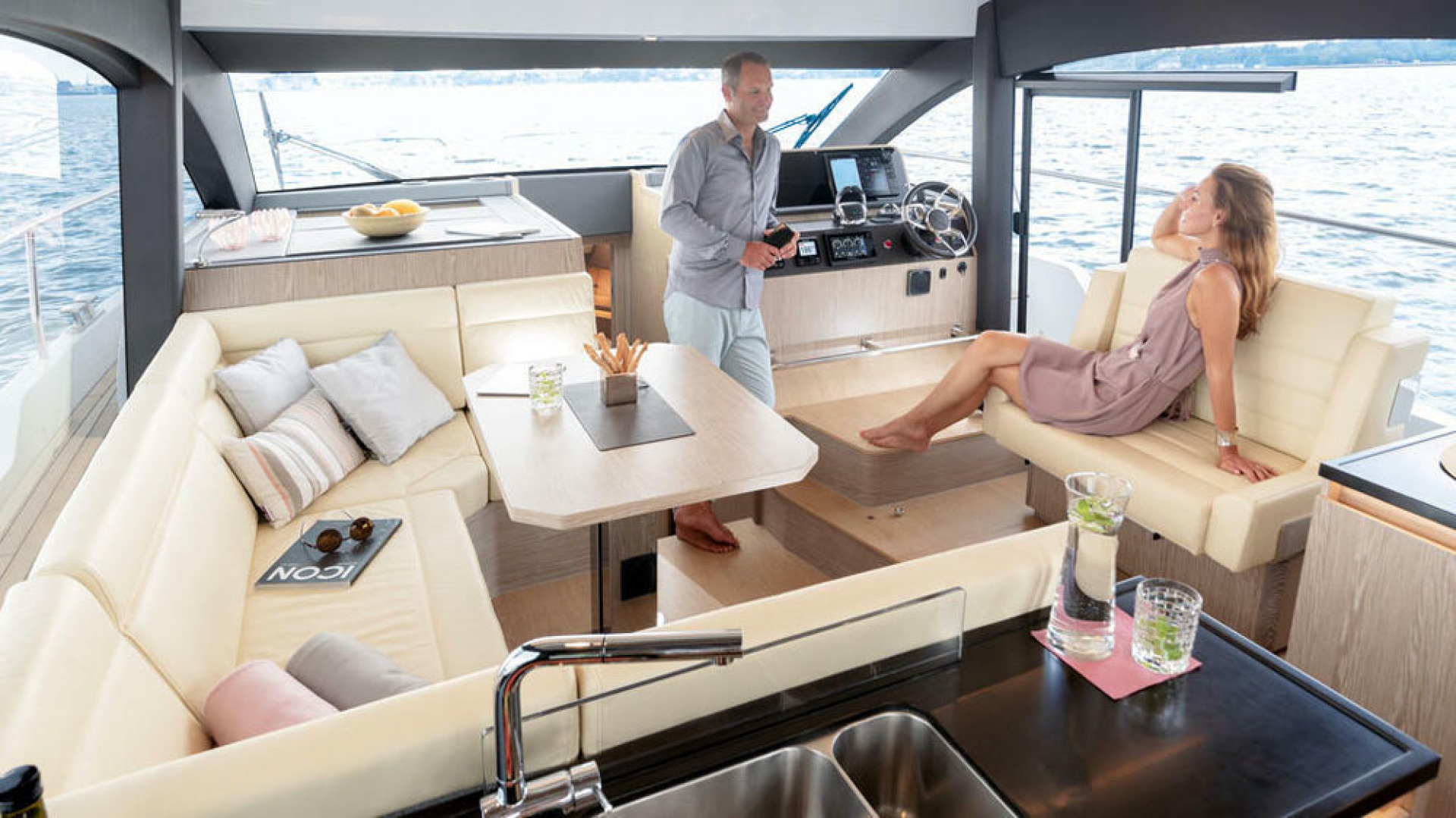 Picture Of a 2022 Sealine 45 F430 Motor Yachts | 1628519