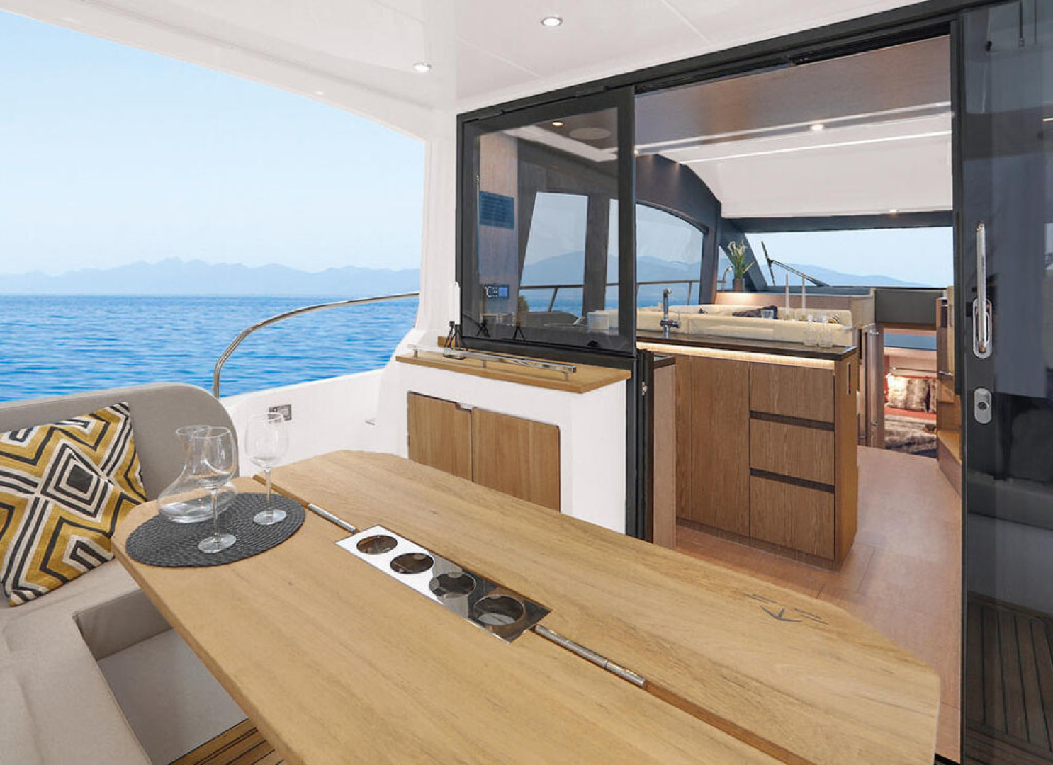 Picture Of a 2022 Sealine 45 F430 Motor Yachts | 1628530