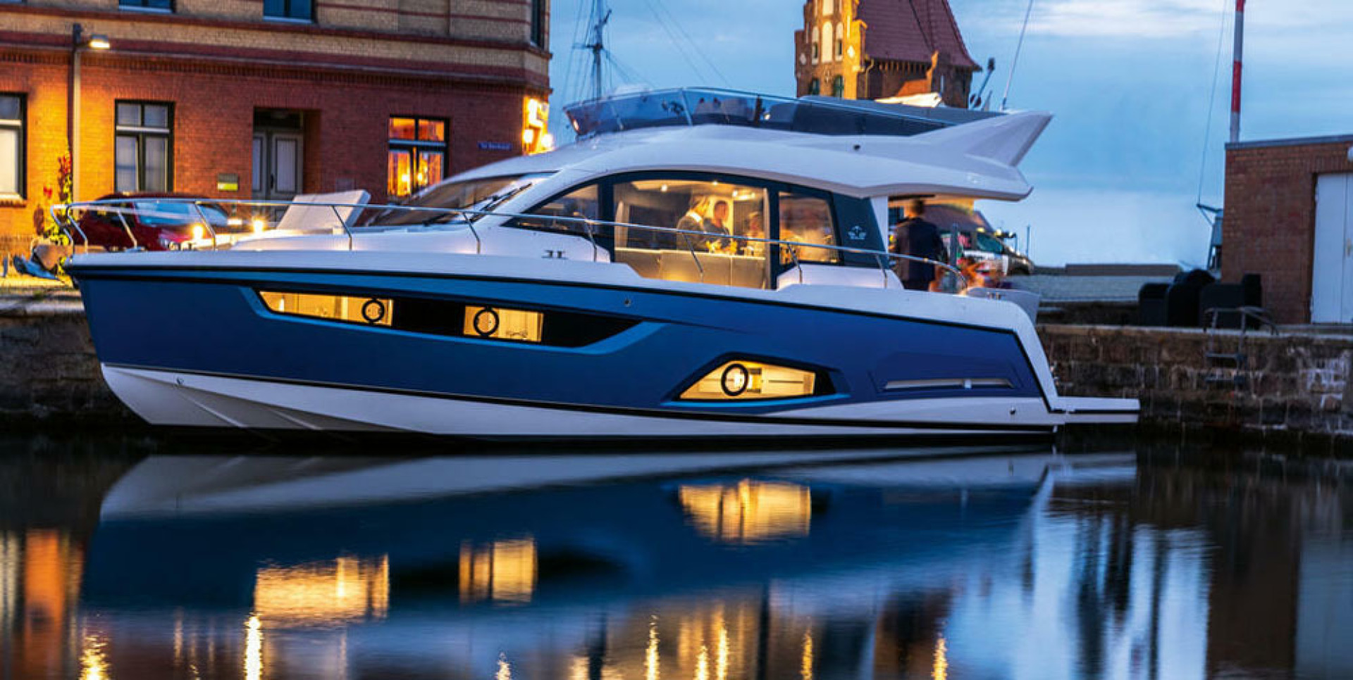 Picture Of a 2022 Sealine 45 F430 Motor Yachts | 1628545