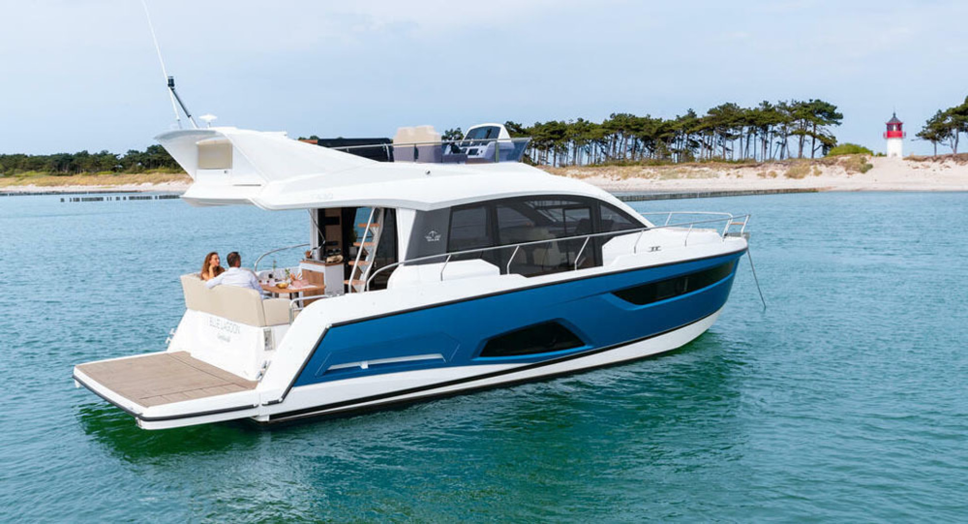 Picture Of a 2022 Sealine 45 F430 Motor Yachts | 1628553