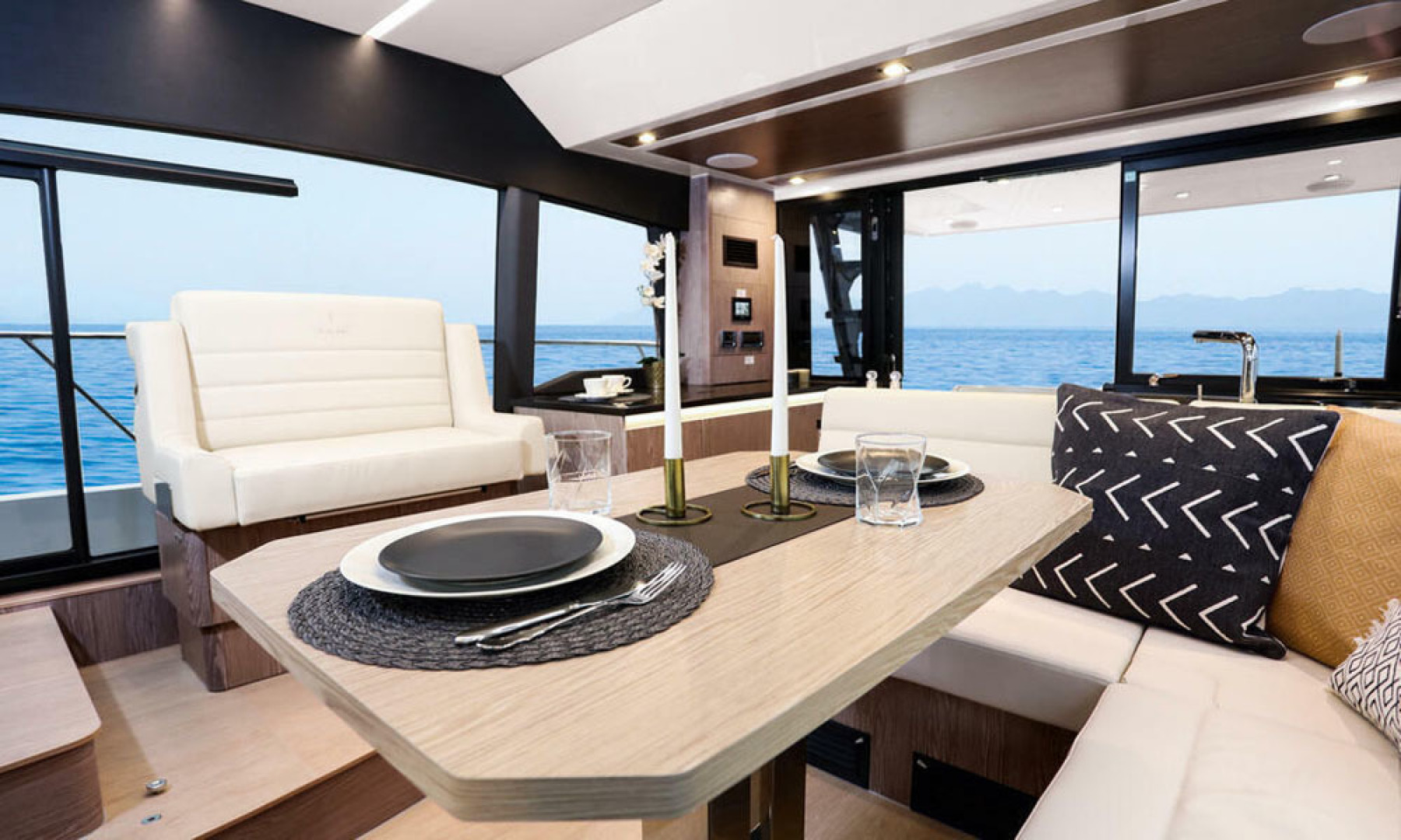 Picture Of a 2022 Sealine 45 F430 Motor Yachts | 1628541