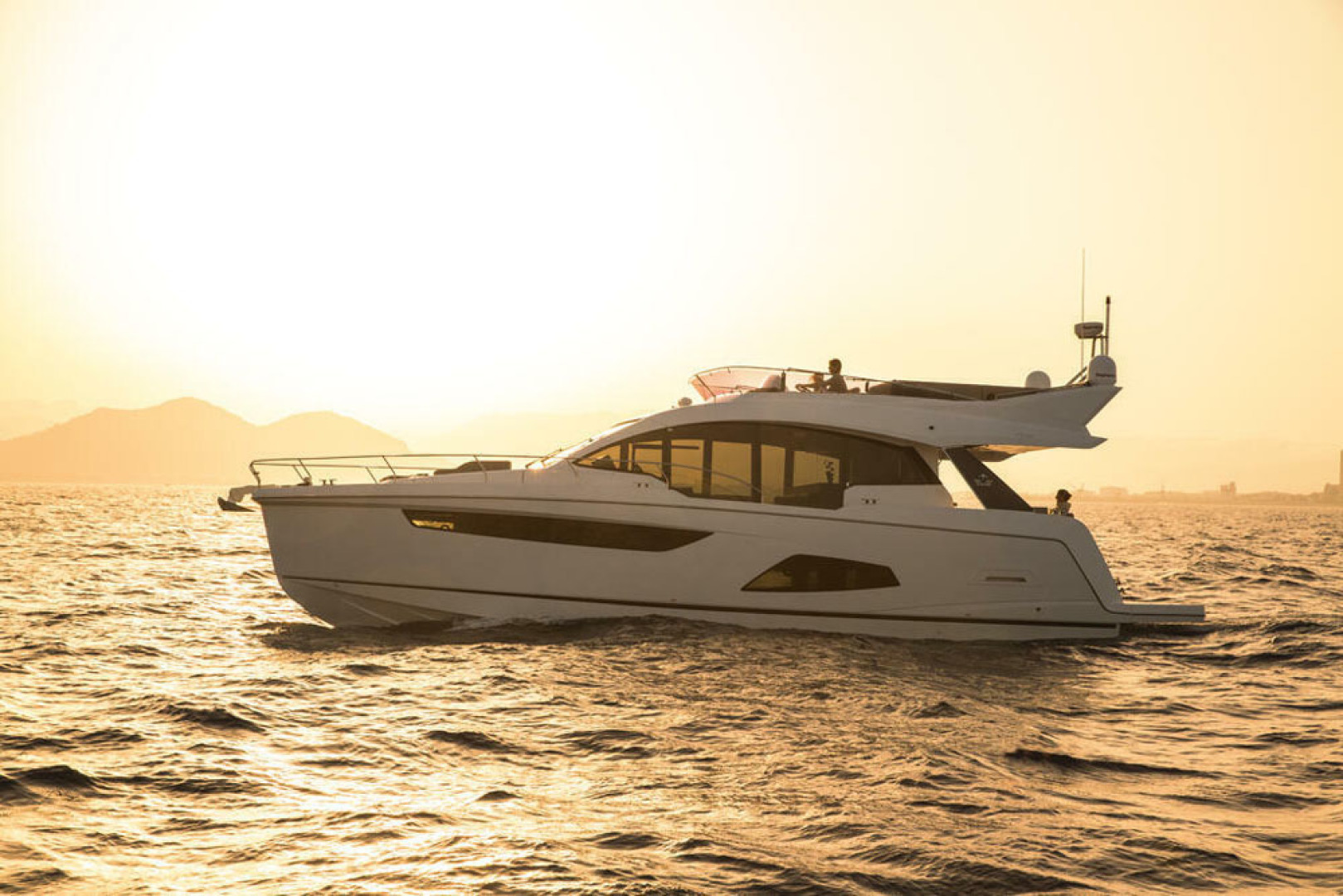 Picture Of a 2022 Sealine 53 F530 Motor Yachts   1628610