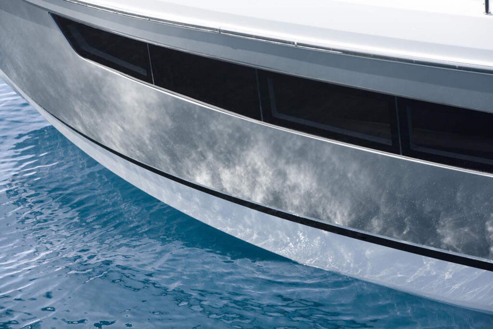Picture Of a 2022 Sealine 33 S330 Motor Yachts | 1628629