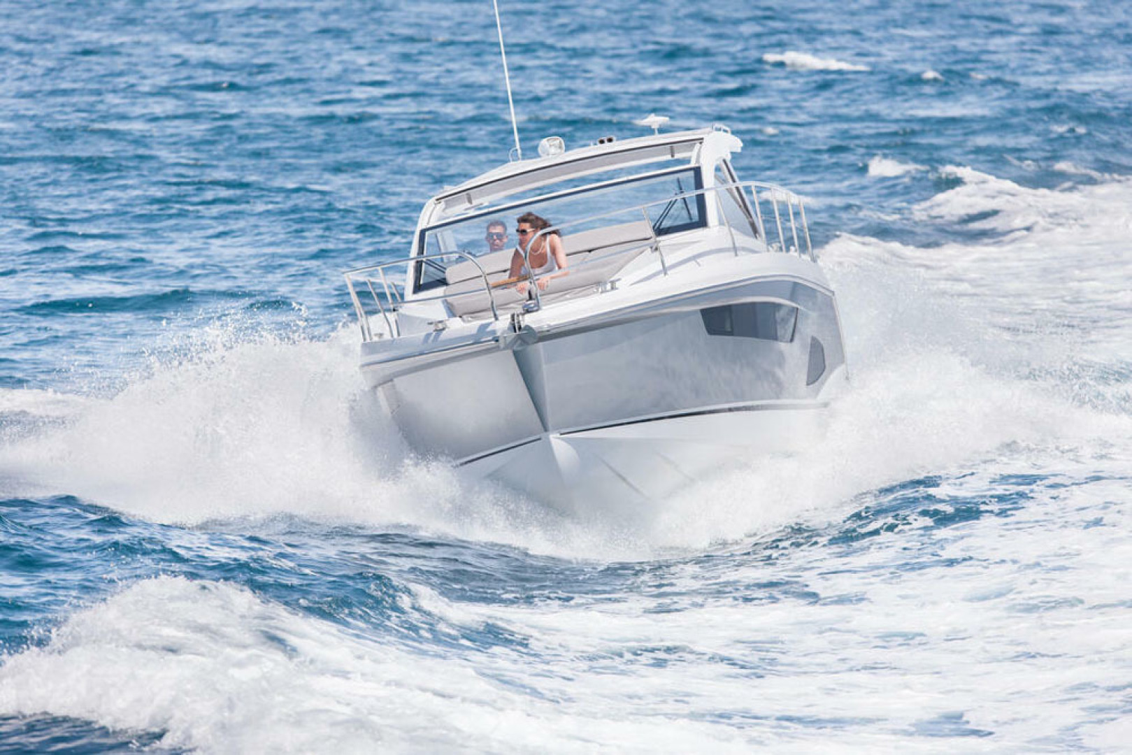 Picture Of a 2022 Sealine 33 S330 Motor Yachts | 1628619