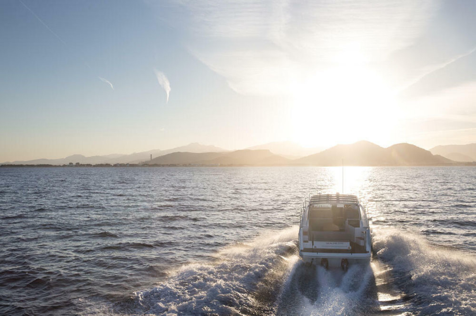 Picture Of a 2022 Sealine 33 S330 Motor Yachts | 1628637