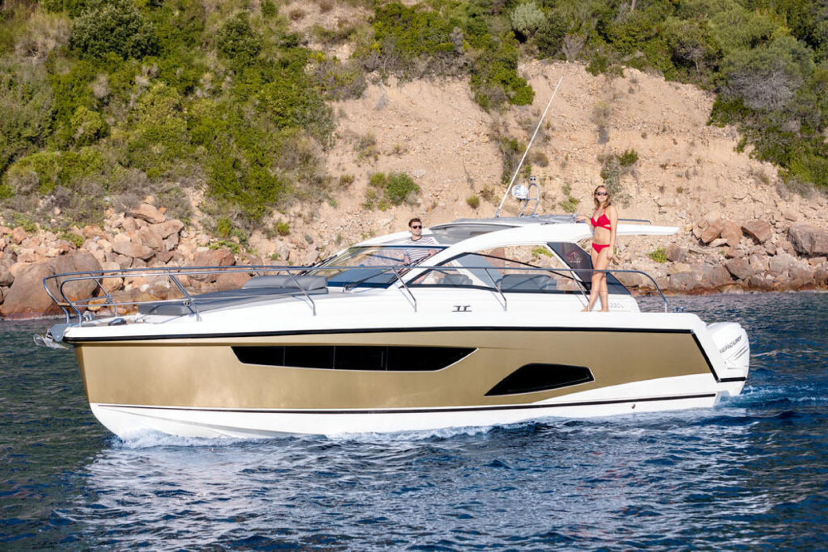 Picture Of a 2022 Sealine 33 S330v Motor Yachts | 1628663