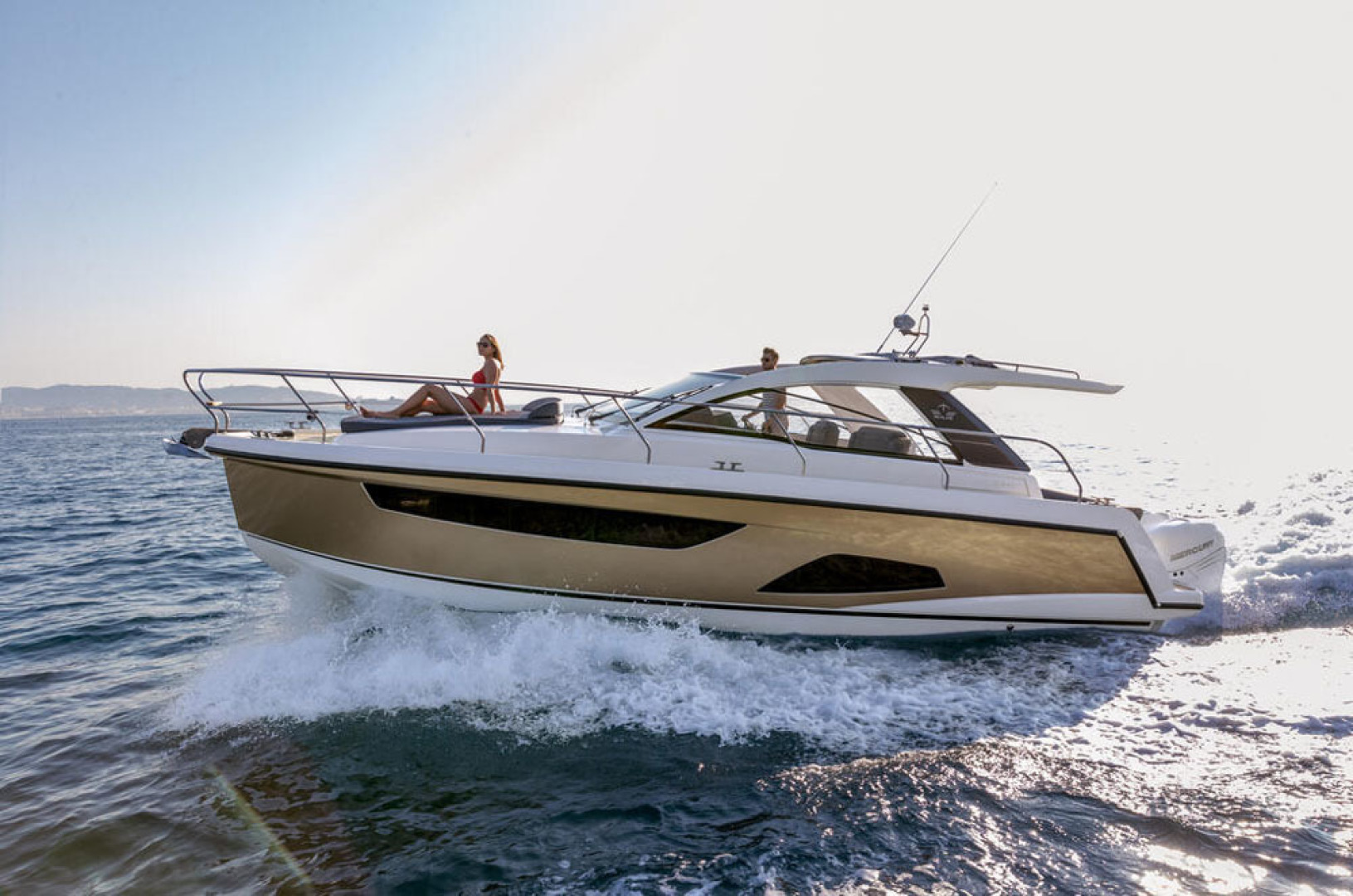 Picture Of a 2022 Sealine 33 S330v Motor Yachts | 1628674