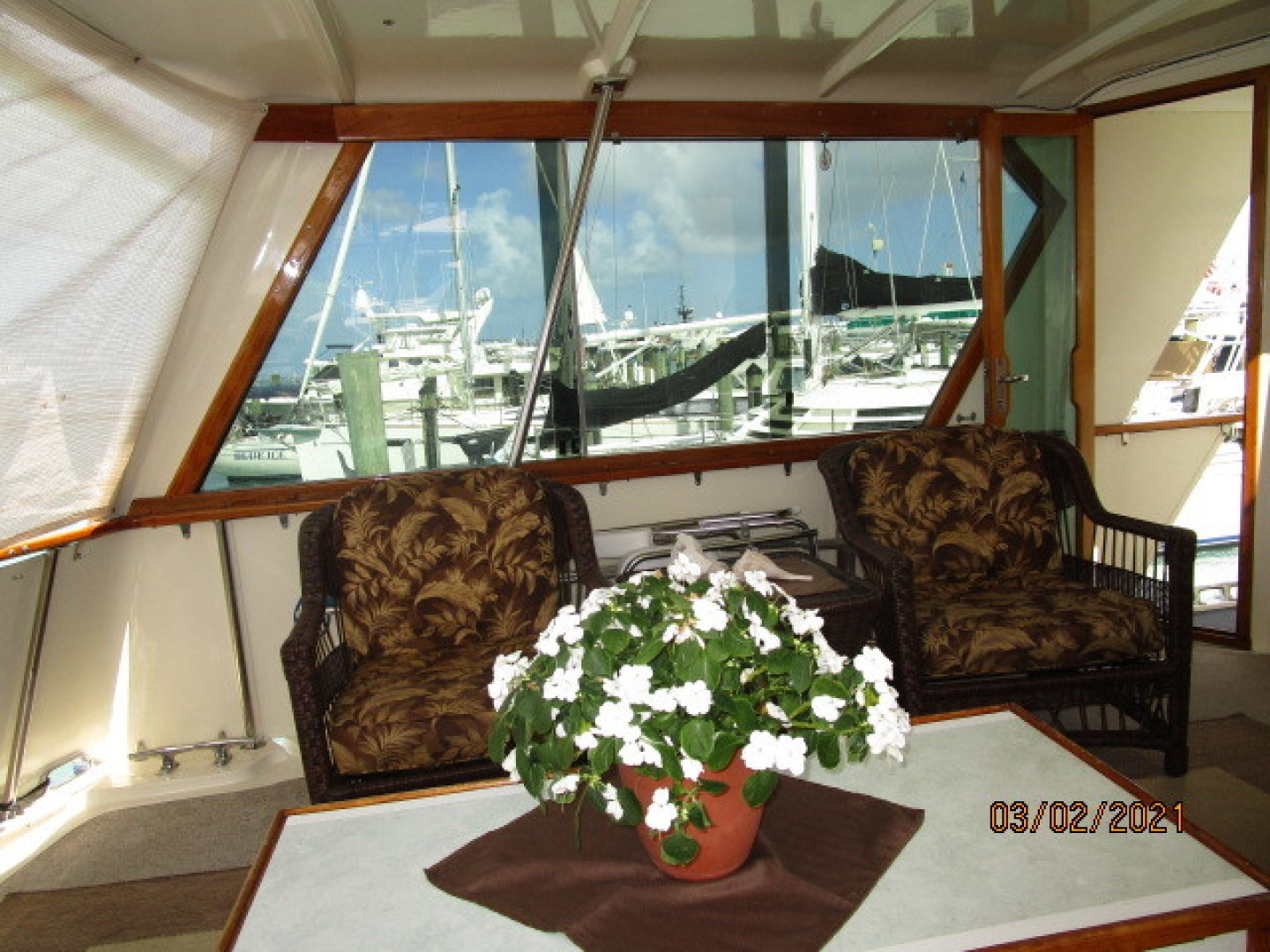 Hatteras-48 1981-Partner Ship Carolina Beach-North Carolina-United States-48 Hatteras sundeck port-1629324 | Thumbnail