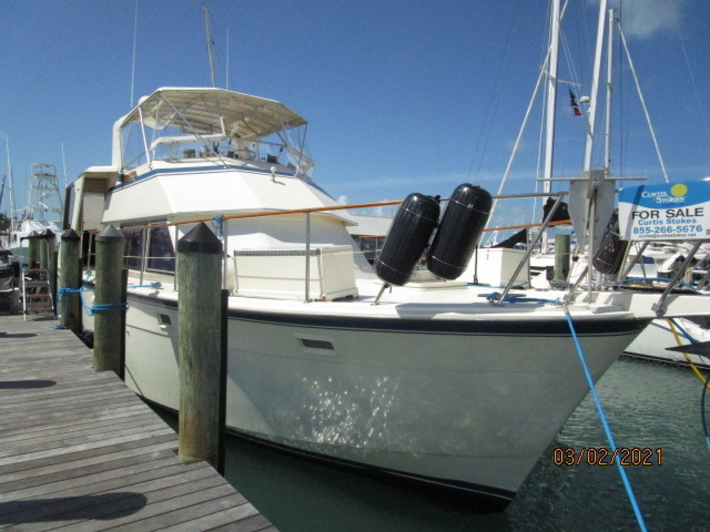 Hatteras-48 1981-Partner Ship Carolina Beach-North Carolina-United States-48 Hatteras starboard forward profile1-1629313 | Thumbnail
