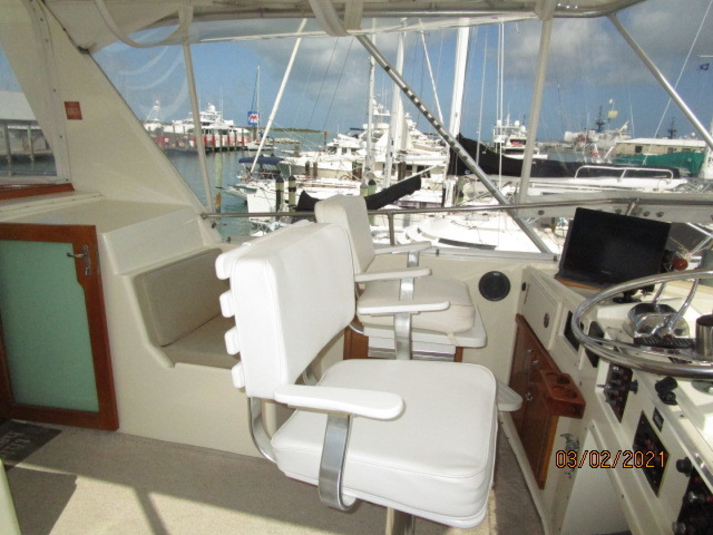 Hatteras-48 1981-Partner Ship Carolina Beach-North Carolina-United States-48 Hatteras flybridge port-1629279 | Thumbnail