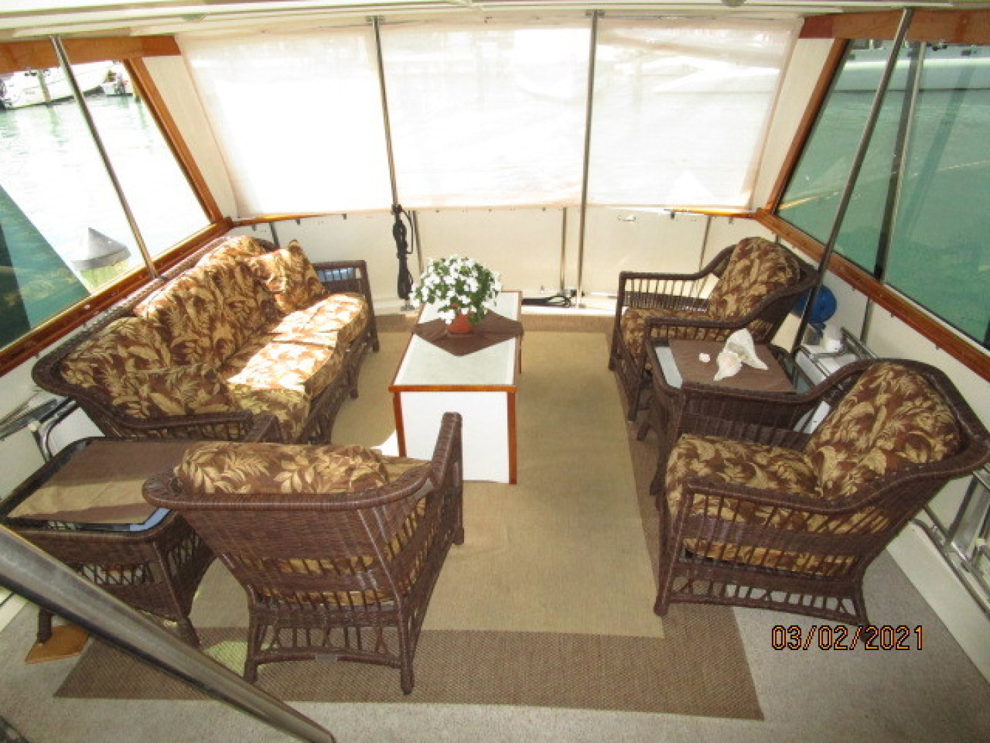 Hatteras-48 1981-Partner Ship Carolina Beach-North Carolina-United States-48 Hatteras sundeck aft-1629320 | Thumbnail