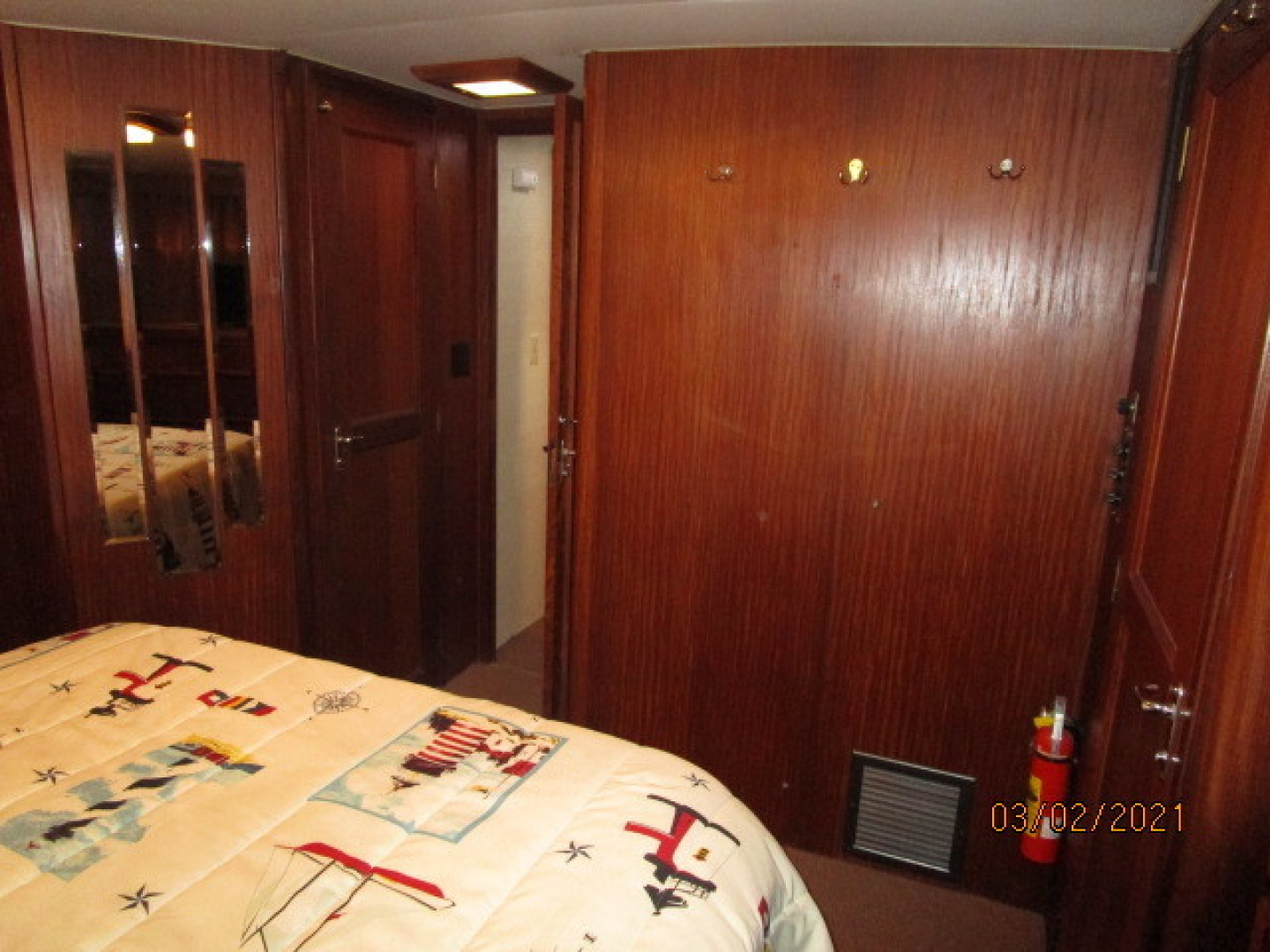 Hatteras-48 1981-Partner Ship Carolina Beach-North Carolina-United States-48 Hatteras master stateroom forward-1629292 | Thumbnail