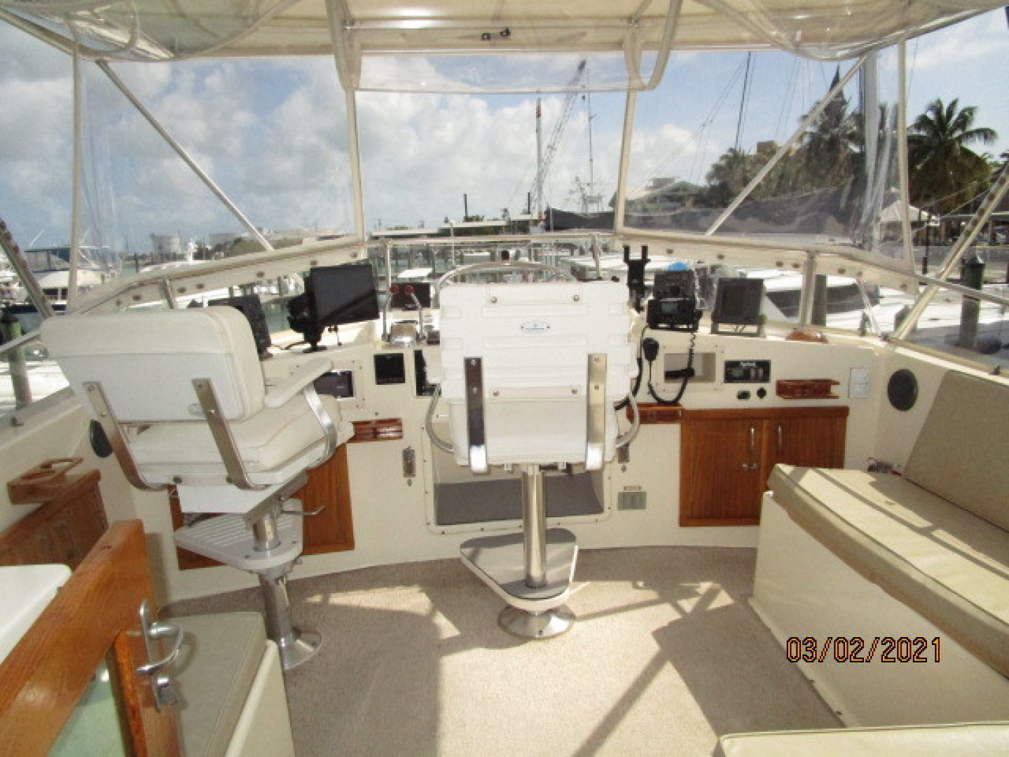 Hatteras-48 1981-Partner Ship Carolina Beach-North Carolina-United States-48 Hatteras flybridge forward-1629273 | Thumbnail