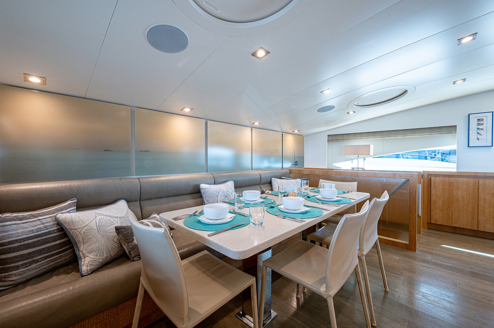 Horizon-RP 110 2014-ANDREA VI Fort Lauderdale-Florida-United States-Galley Dinette-1633553 | Thumbnail