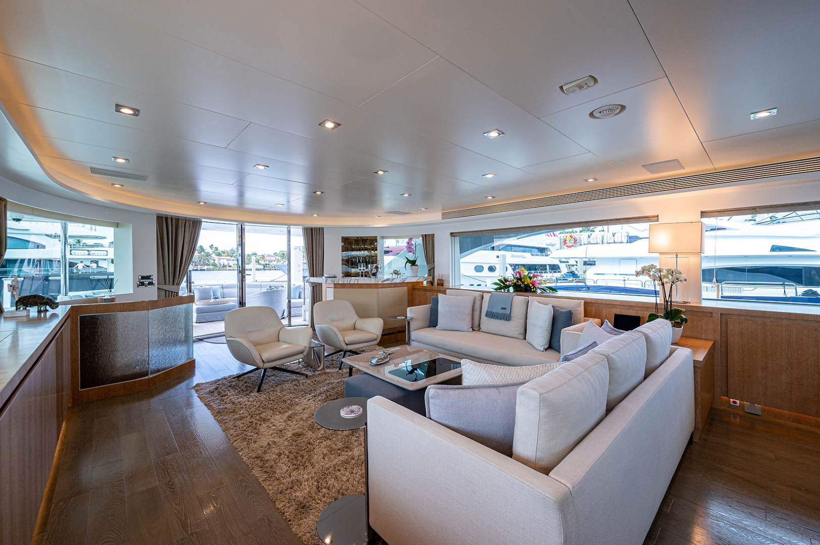 Horizon-RP 110 2014-ANDREA VI Fort Lauderdale-Florida-United States-Salon Looking Aft -1633545 | Thumbnail