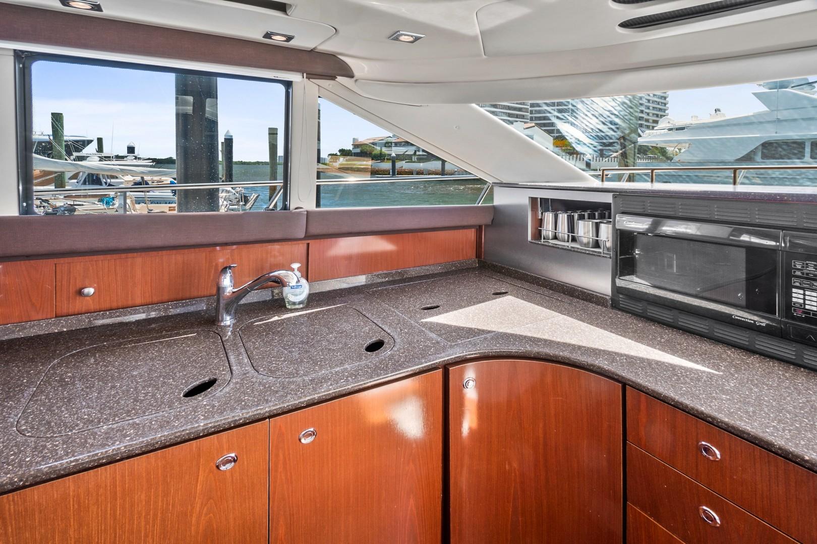 Meridian-441 sedan 2010-Liquidity North Palm Beach-Florida-United States-1650245 | Thumbnail