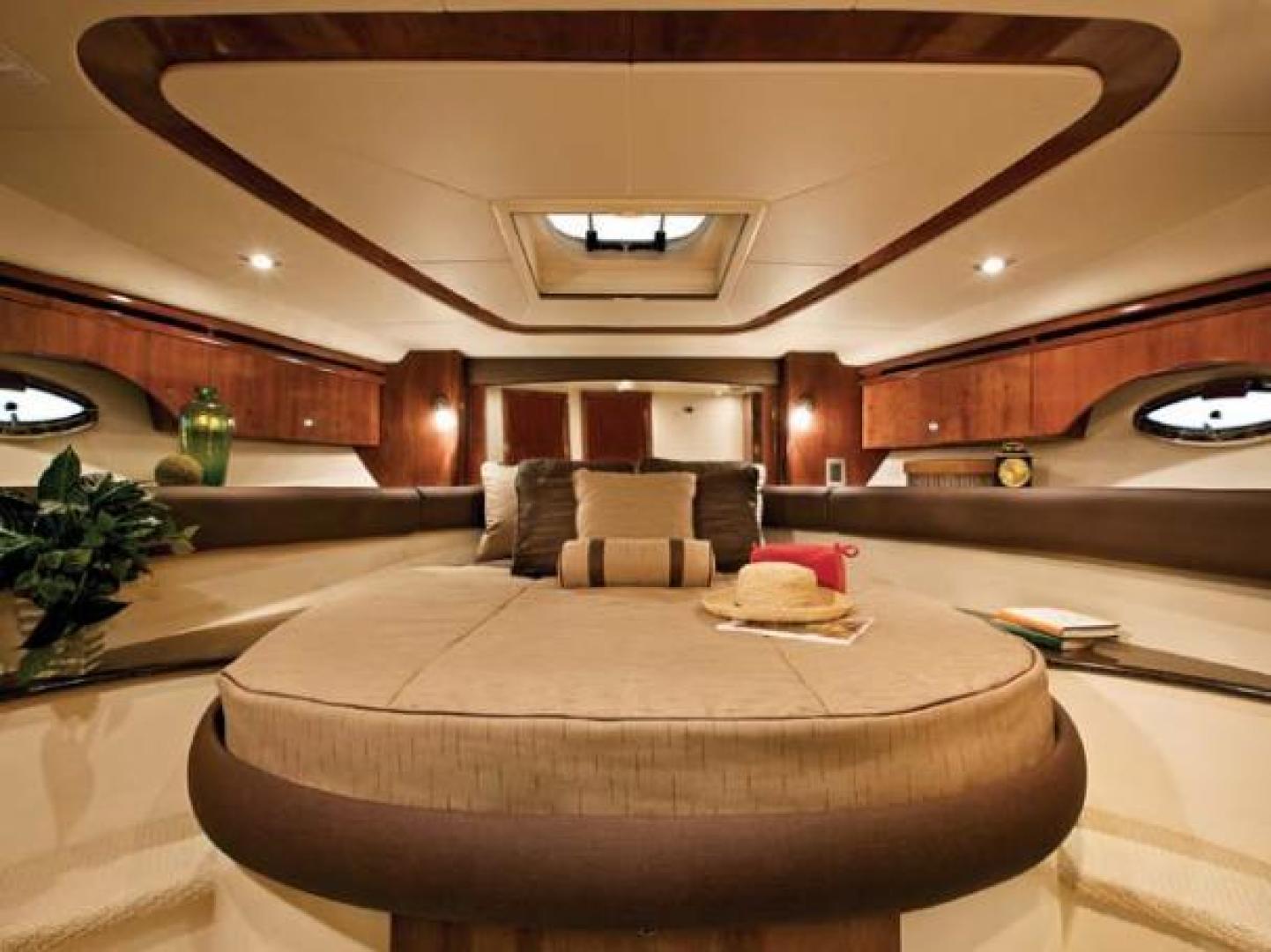 Meridian-441 sedan 2010-Liquidity North Palm Beach-Florida-United States-1634146 | Thumbnail