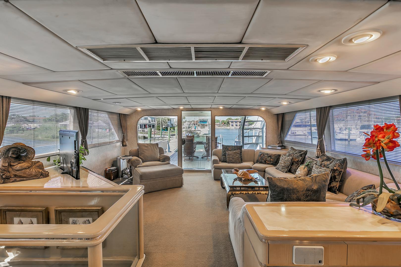 Broward 104 - Pathway - Pilothouse Lounge