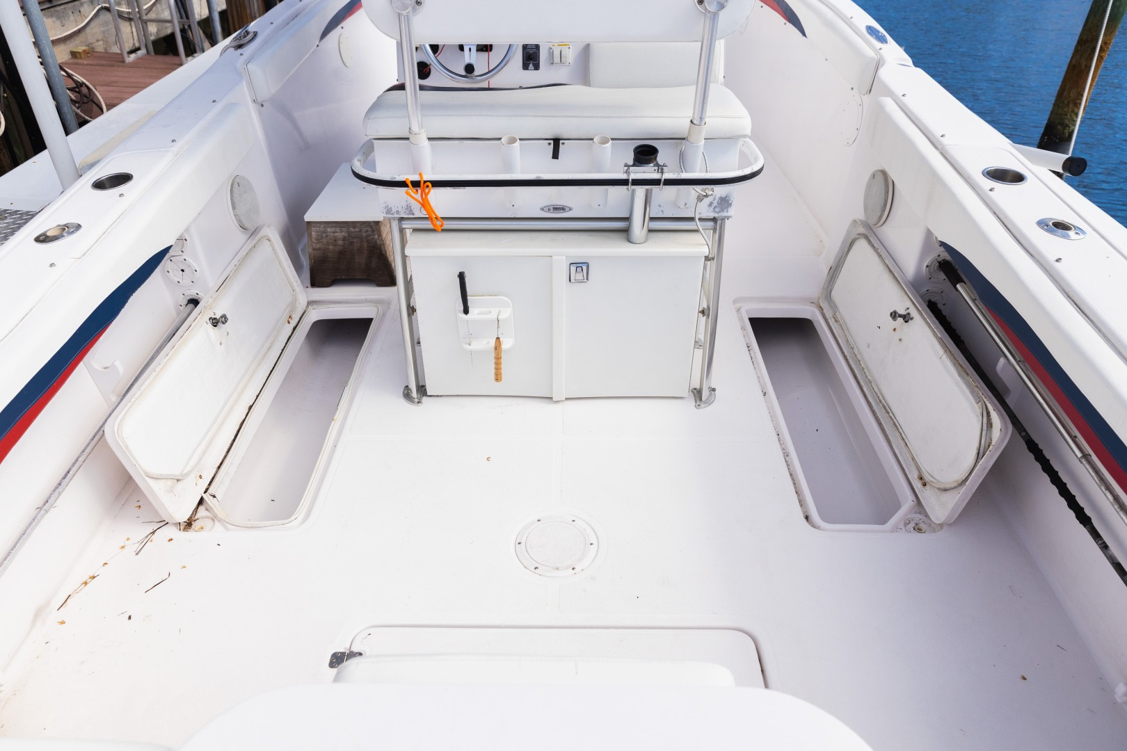 Donzi 35 - Lana - Cockpit
