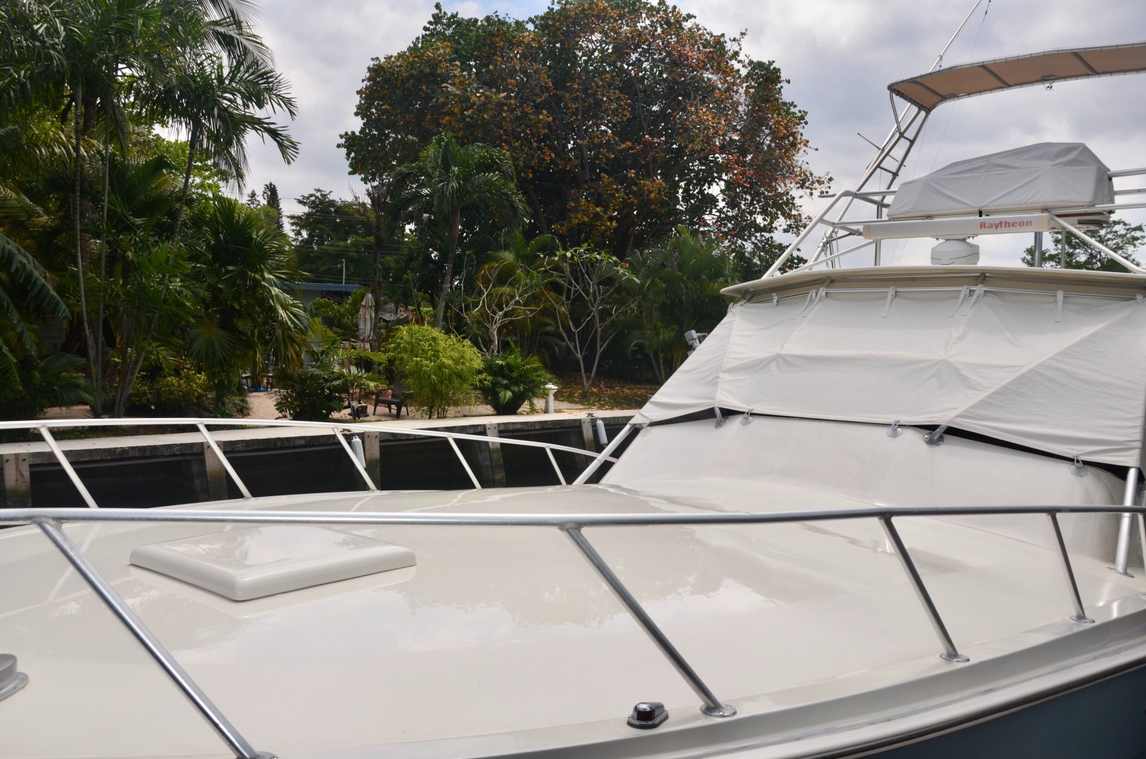 Topaz 39 - Perfect Catch - Foredeck