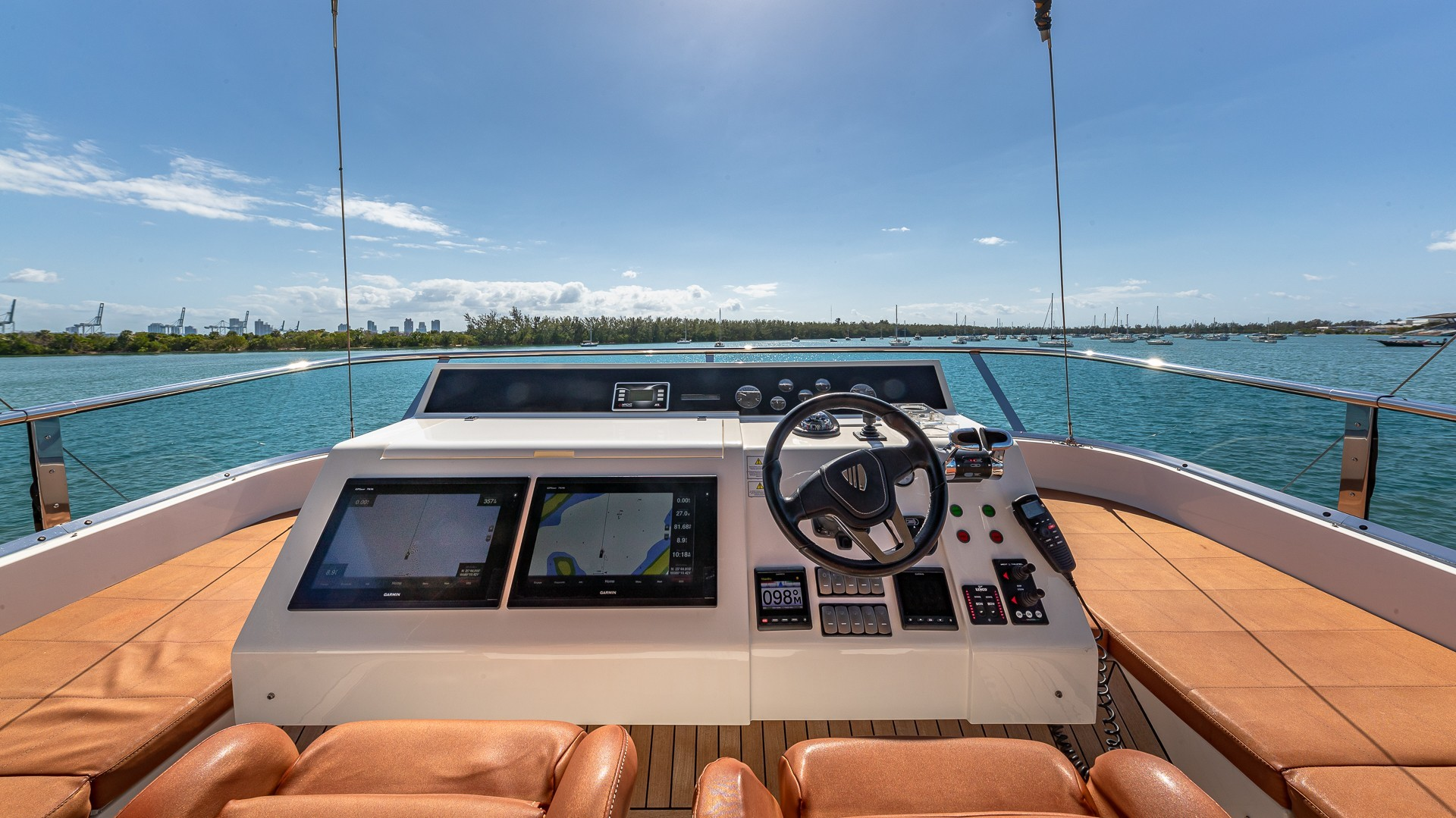 Picture Of a 2015 Fairline 65 Squadron Cruisers   1673333