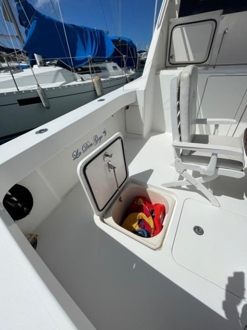 Viking 48 - La Don Goyo - Cockpit