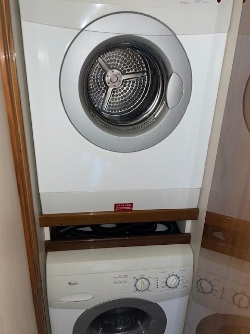 Viking 48 - La Don Goyo - Laundry
