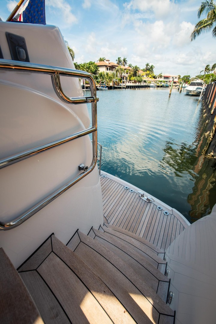 Hatteras 72 - Taz - Stairs to Transom